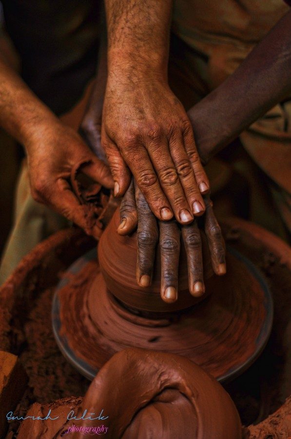 2986688-african-potter