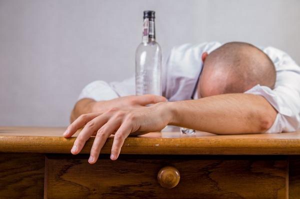alcohol-428392_640-1