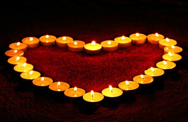 candles-1645551_640-2